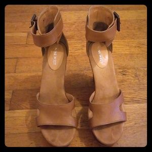 Nine West Leather and wood platform sandal